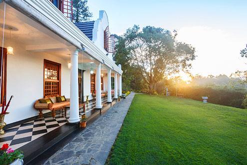 Front garden and veranda of Dutch house Villa in Sri Lanka