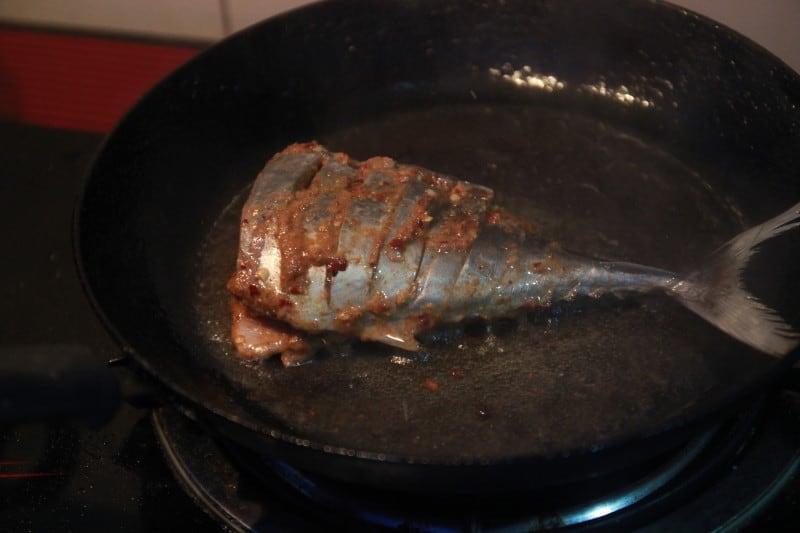 Maldives fish local cooking lesson Huraa