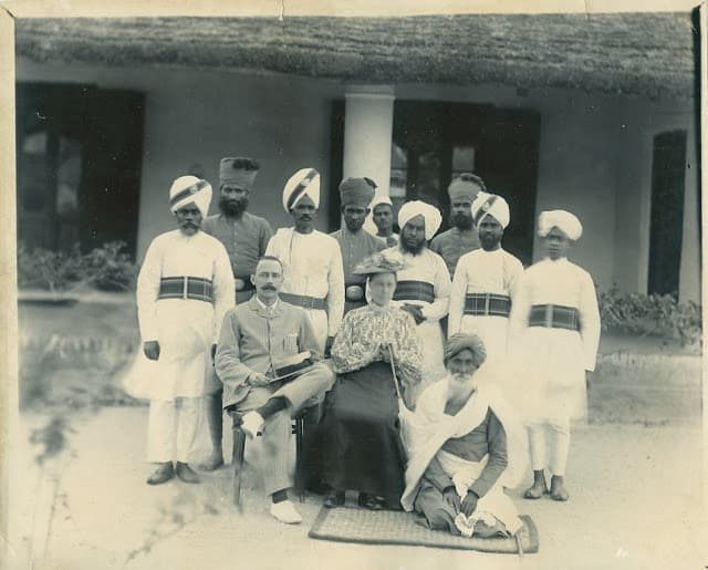 Image via Old Indian Photos