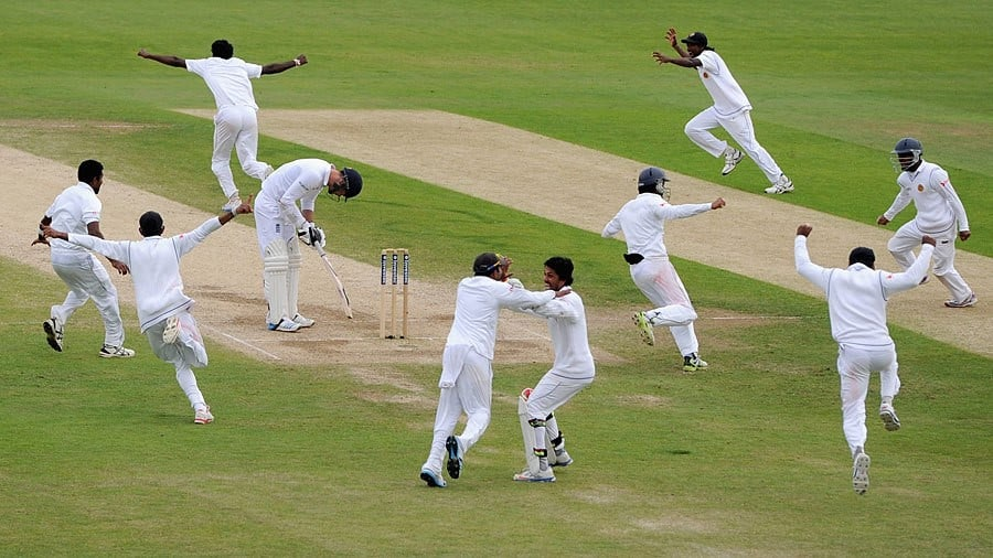 England cricket team celebrating taking a wicket