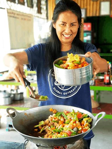 Cooking class in Myanmar