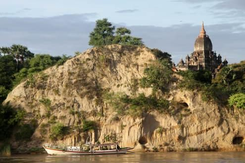 Twilight boat tour at Bagan