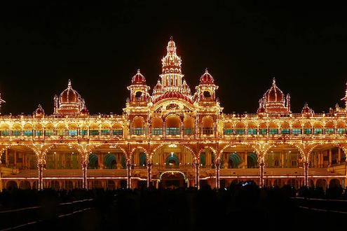 Walking tour around Mysuru