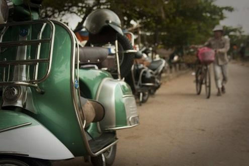 Vespa Tour of Phnom Penh