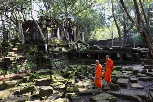 Off-The Beaten-Track Angkor - Koh Ker & Beng Mealea day trip