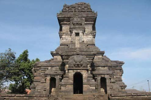 Malang's Ancient and Colonial History by Foot