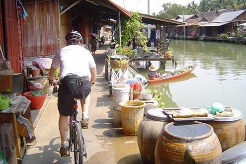 Floating Markets Cycle Tour